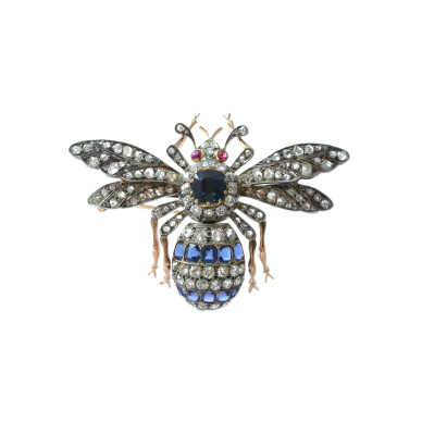 fly brooch